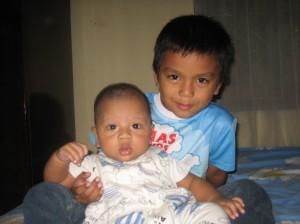 Kakak Muhammad Fauzan dan Adik Sultan Radi (7 Februari 2009)